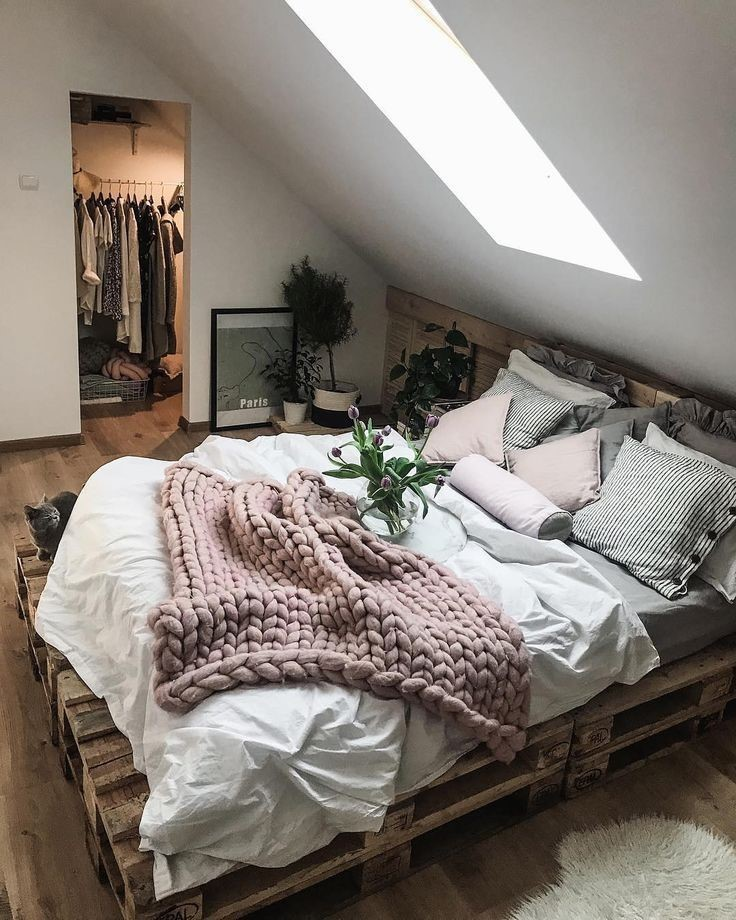 Bedroom-ideas-pallet-bedframe