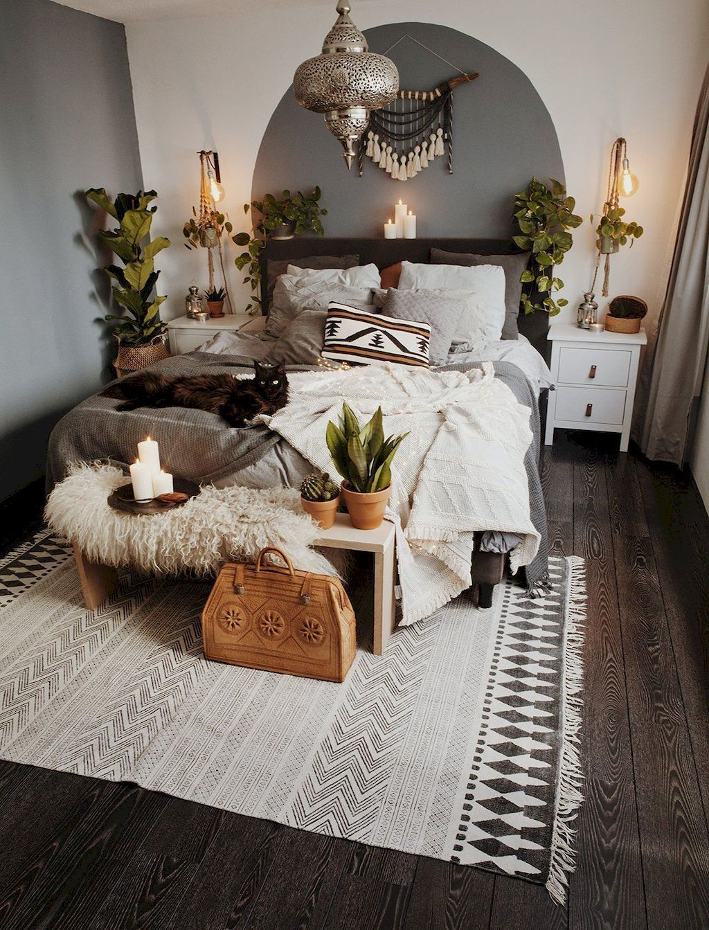 Bedroom-ideas-layered throws