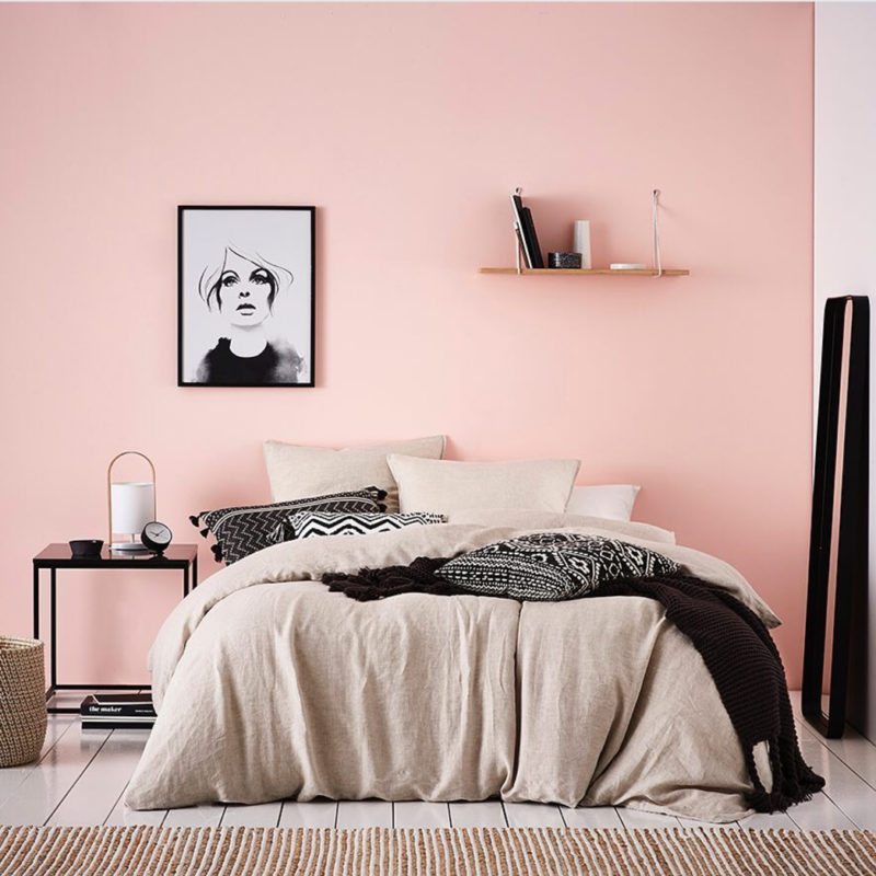 Bedroom-ideas-feature-wall